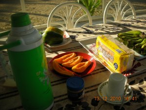 Papaya for breakfast, Happy Valley Resort