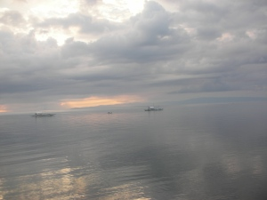 Self has said it before, and she'll say it again now:  Nothing is as beautiful as a Philippine sea.