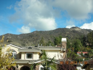 The neighbor across the street from Irene and Zia.  Aren't the mountains beautiful?