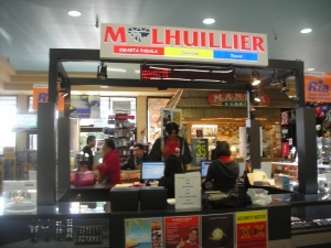 M. Lhuillier Pawnshop inside Island Pacific in Union City