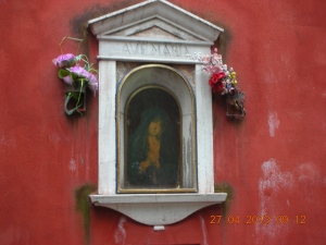 Wall Shrine in Calle Something-or-other (Near the Frari Church)