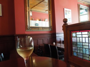 Lincoln's Inn, Dublin:  Self rarely drinks. But she was persuaded by a genial waitress to have white wine with her Irish bacon and cabbage. It was a fabulous idea.