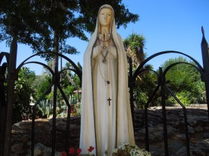 Another statue of the Blessed Virgin taken at Mission San Gabriel, this one just outside the church
