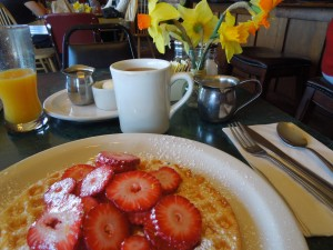 Fresh Strawberries, Fresh Flowers, and Fresh Coffee:  Queenie's Road House, Elk, California