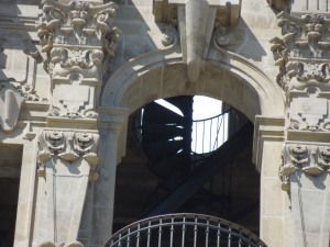 The California Tower's Spanish Colonial Facade was the design of Bertram Goodhue, who was inspired by Spanish churches in Mexico. It was built for the 1915 Panama-California Exposition.